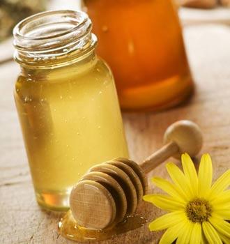 Осветление медом и ромашкой